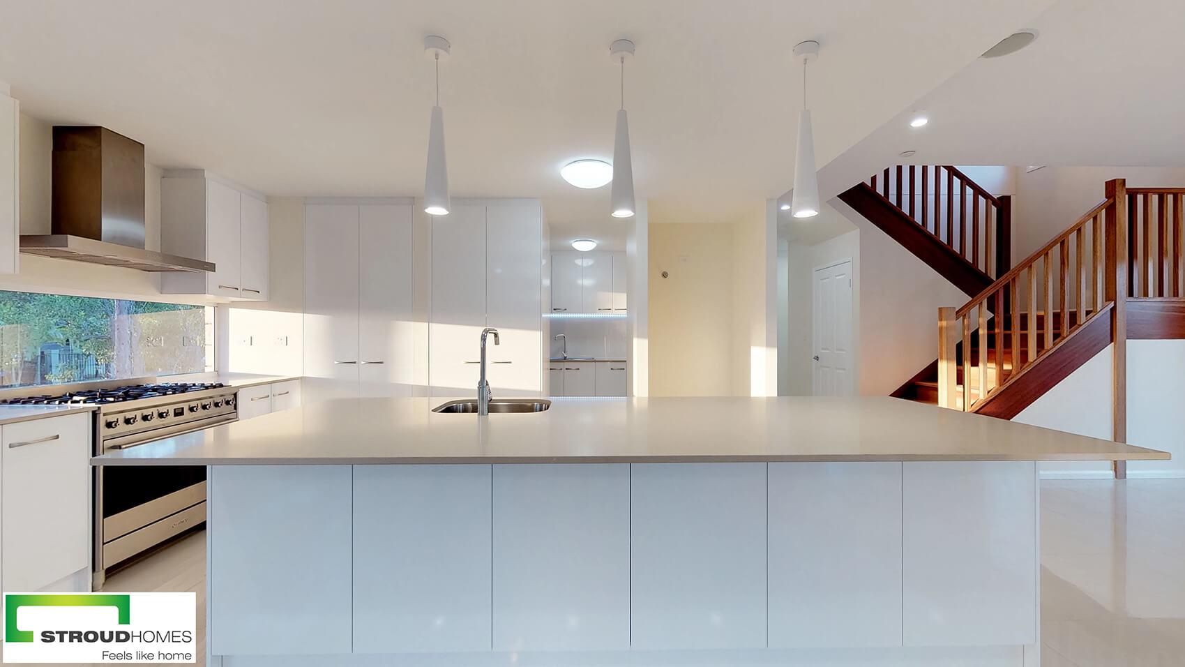 Kirra 330 kitchen