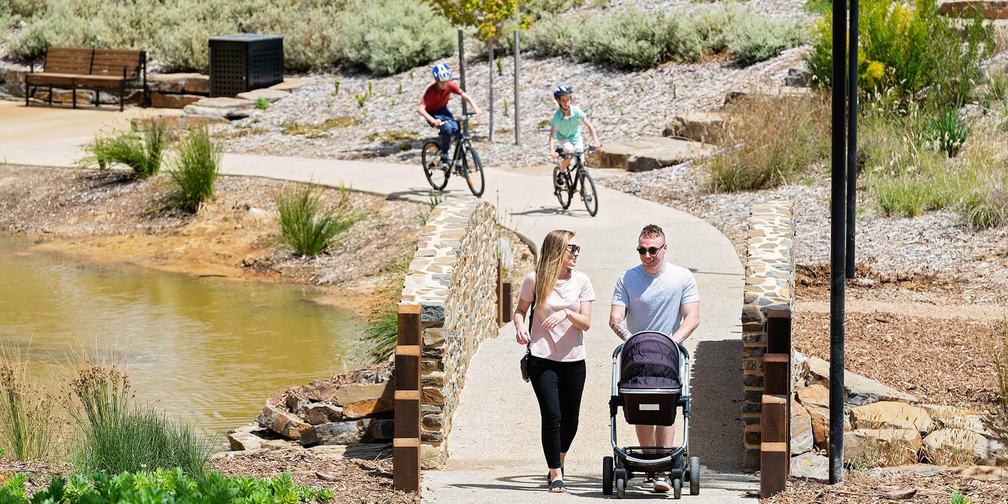 Springlake_young_family_gardens_bridge